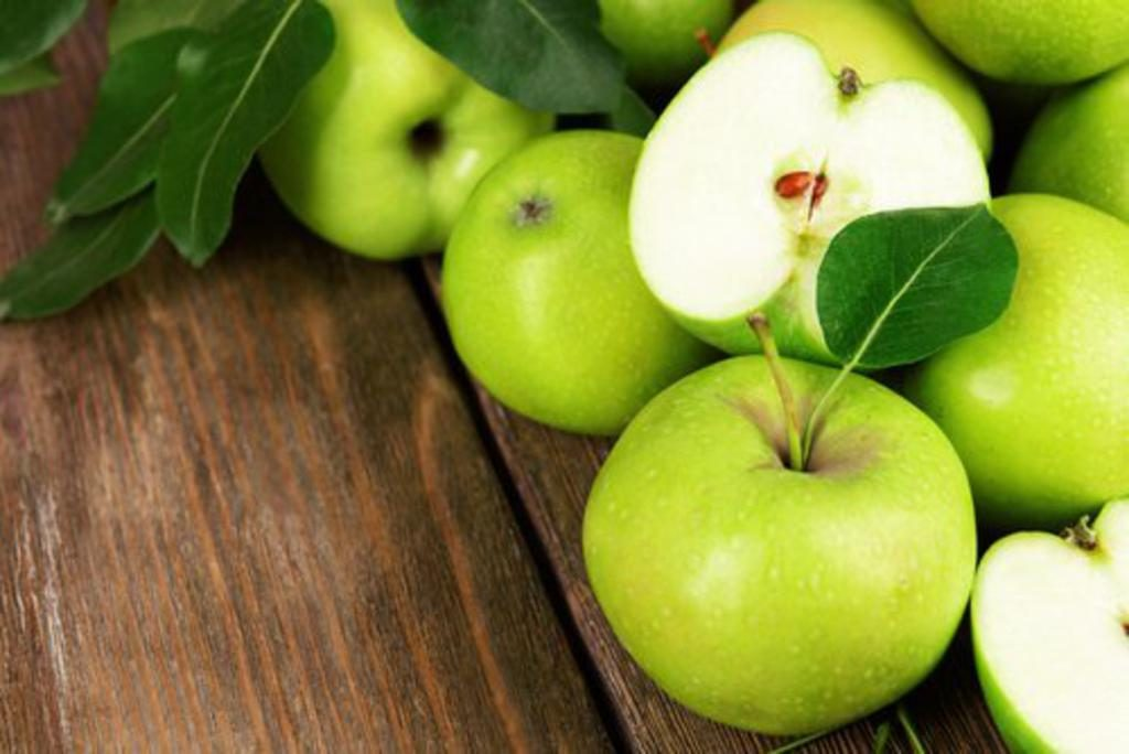 comer una manzana por la noche